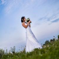 Krásná nevěsta s kyticí (© Jan Jirouš)