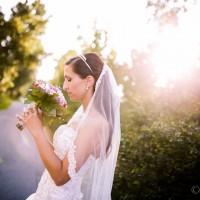 Nevěsta s kytící, dlouhý závoj (© Jan Jirouš)