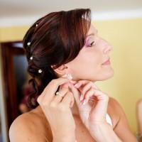 Svatební přípravy nevěsty - účes (© Jan Jirouš)