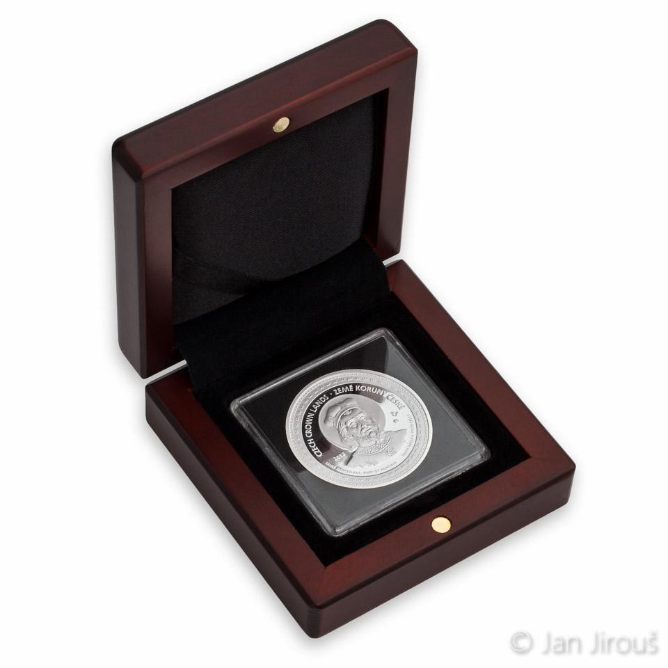 Medaile v provedení proof v dřevěné etui (© Jan Jirouš)