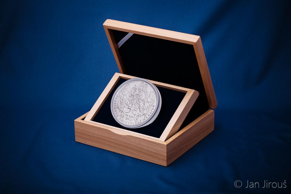 Investiční platinová medaile, 500g, dřevěná etue