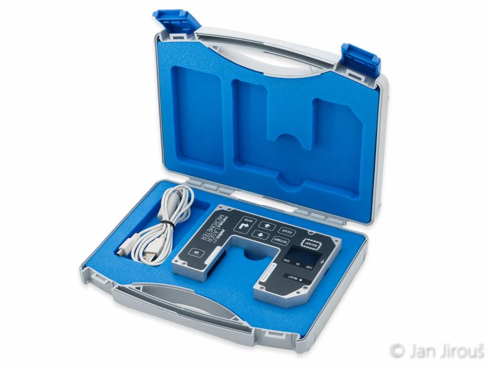 Přenosný laserový mikrometr v kufříku