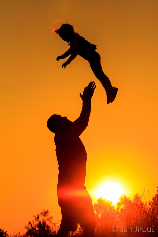 Rodinné foto při západu slunce