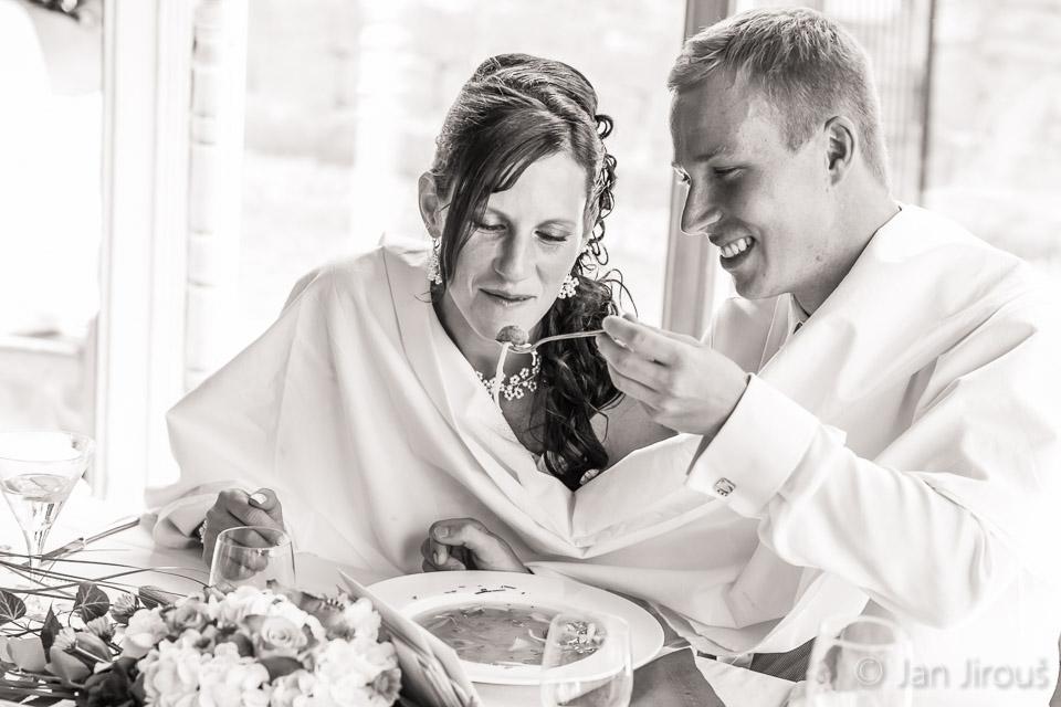 Svatební inspirace - hostina (© Jan Jirouš)