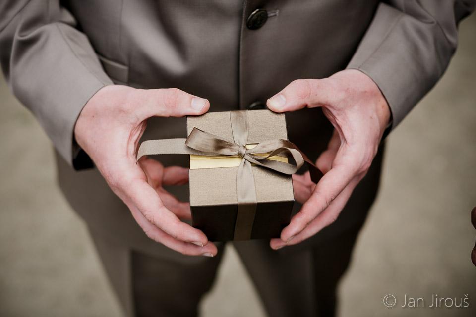 Krabička na svatební prstýnky (© Jan Jirouš)