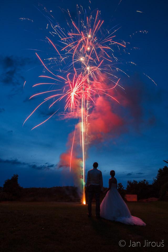 Svatební ohňostroj (© Jan Jirouš)